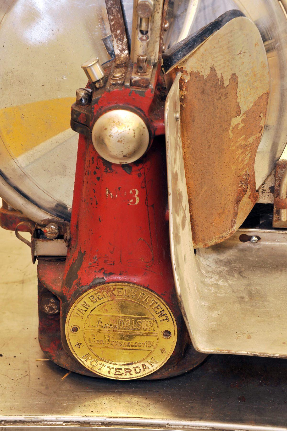 Berkel model 3 slicer before restoration