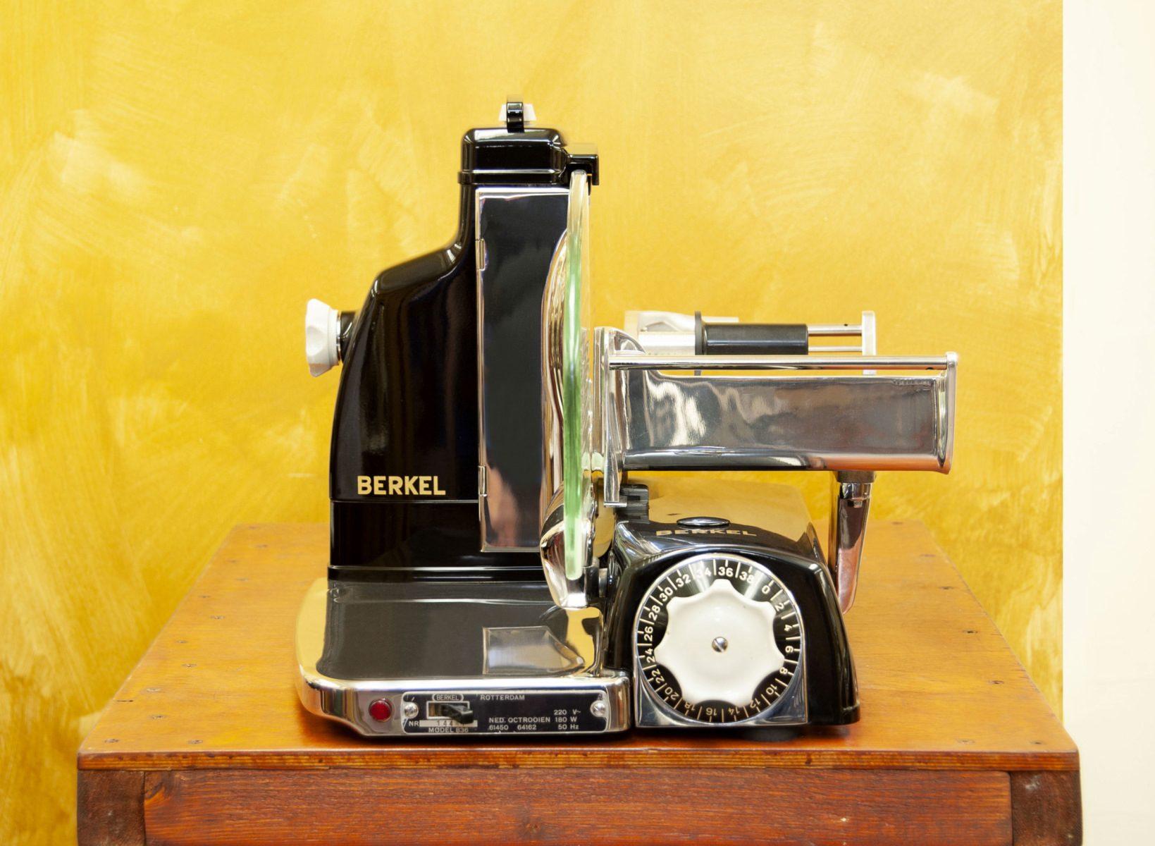 Berkel eletric slicer model 836 black
